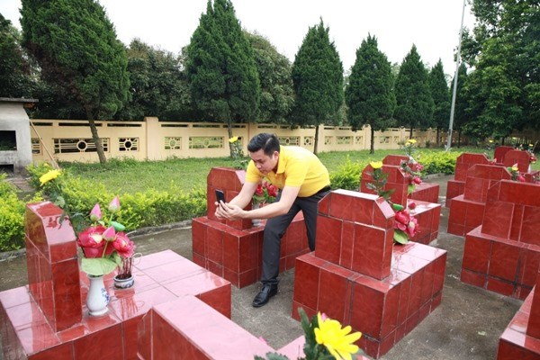 Website documents final resting places of war martyrs hinh anh 1