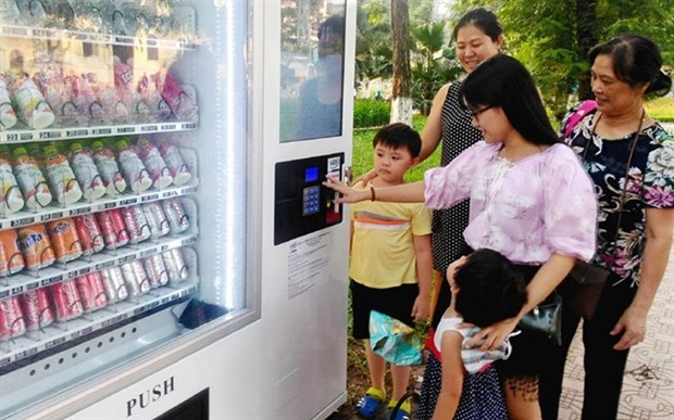 Hanoi to install 1,000 vending machines by 2020 hinh anh 1