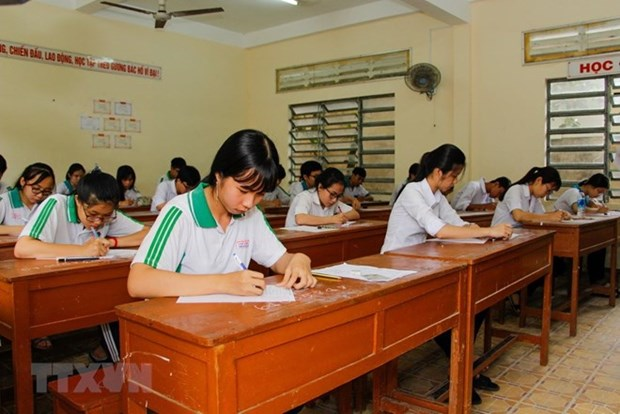 Criminal proceedings begin for high school exam fraud in Son La hinh anh 1