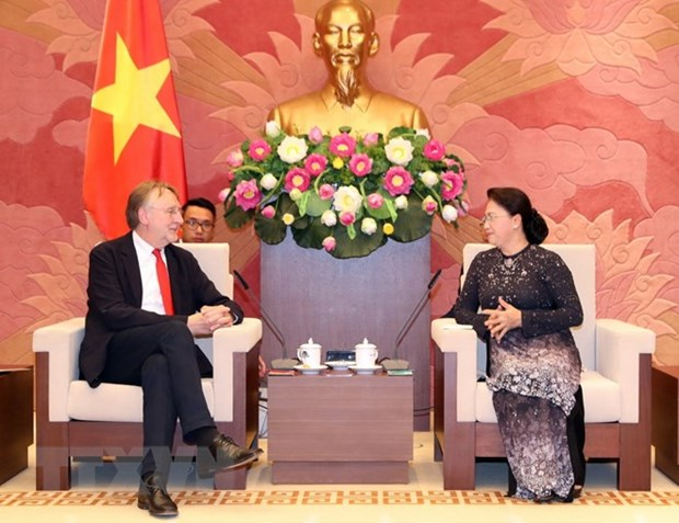 NA Chairwoman greets European Parliament official hinh anh 1