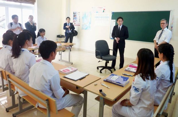 Japan targets 10,000 Vietnamese caregivers by 2020 hinh anh 1