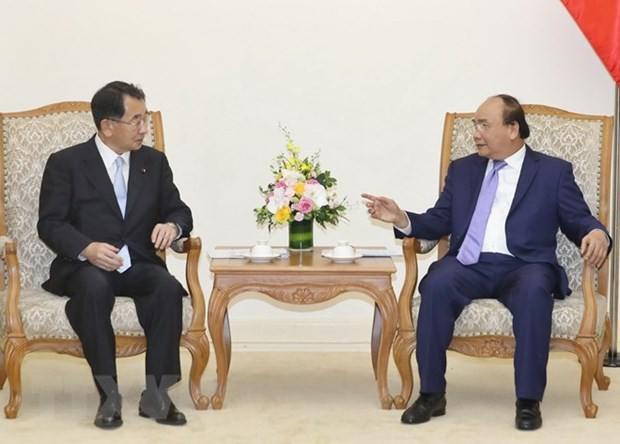 PM meets head of Japan-Mekong Parliamentary Friendship Association hinh anh 1