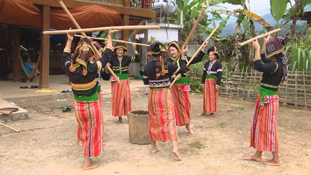 Cong ethnic people make efforts in preserving folk art hinh anh 2