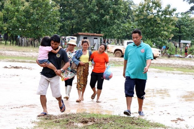 EVN offers support to victims of Lao dam collapse hinh anh 1