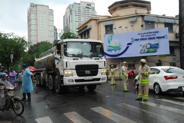 HCM City bans trucks during rush hour in urban areas hinh anh 1