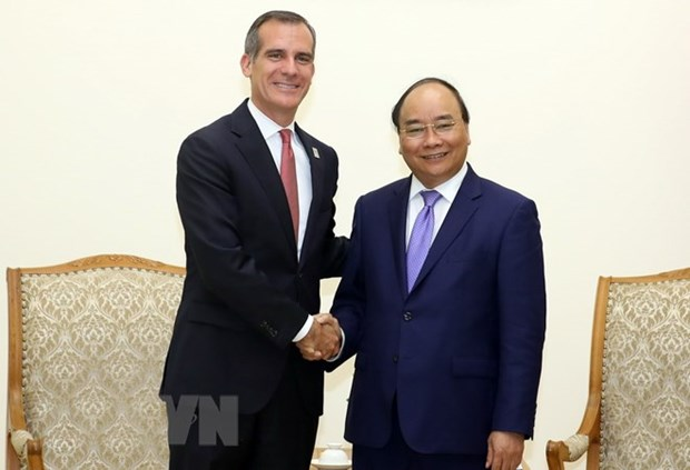 PM seeks stronger trade, investment ties with Los Angeles hinh anh 1