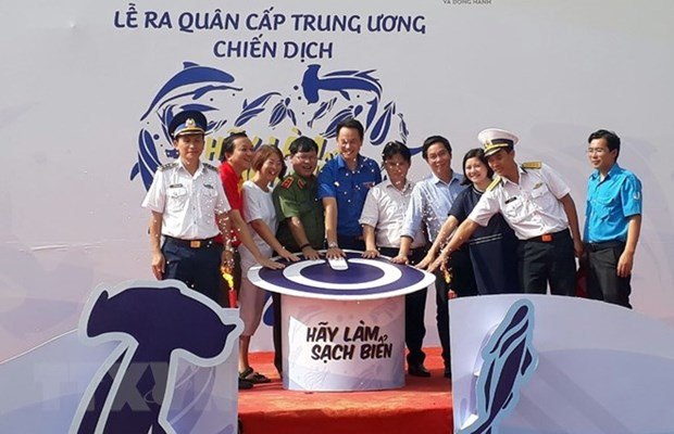 Sea-cleaning campaign launched hinh anh 1