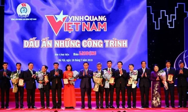 Eight outstanding works honoured at Vietnam Glory hinh anh 1