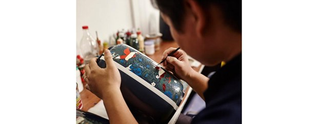 Art lovers make lacquerware in Hanoi hinh anh 3