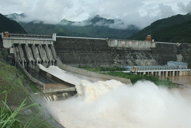 Plans to ensure safety of Hoa Binh, Son La hydroelectric reservoirs hinh anh 1
