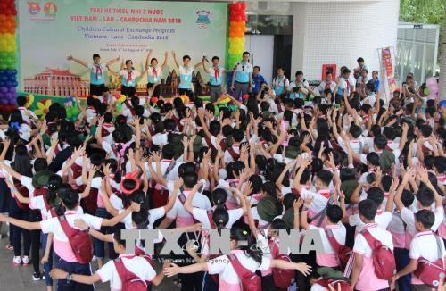 Summer camp for children of Vietnam, Laos, Cambodia opens hinh anh 1