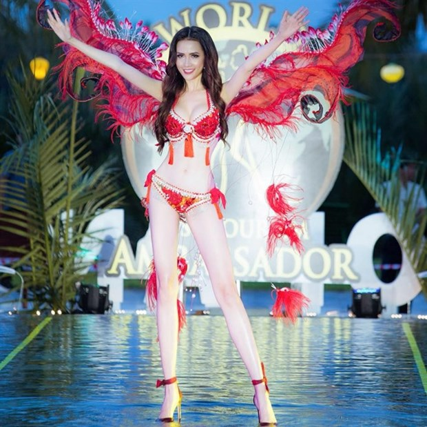 Vietnam's representative shines at int'l tourism pageant hinh anh 1