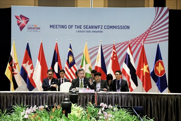 Vietnam attends SEANWFZ, AICHR meetings in Singapore hinh anh 1