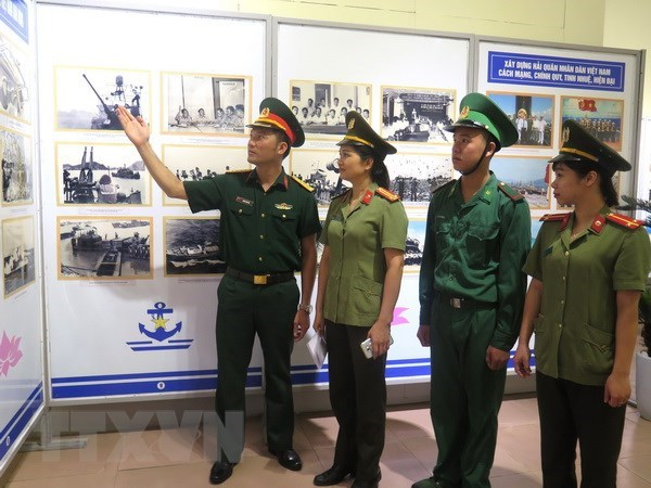 Ha Giang exhibition on seas, islands, naval soldiers hinh anh 1