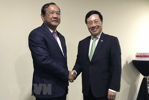 Deputy PM Pham Binh Minh meets with Cambodia, Norway foreign ministers hinh anh 1