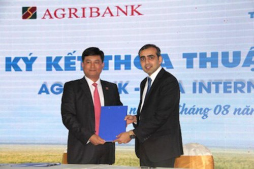 Agribank helps farmers access high-tech agricultural machines hinh anh 1