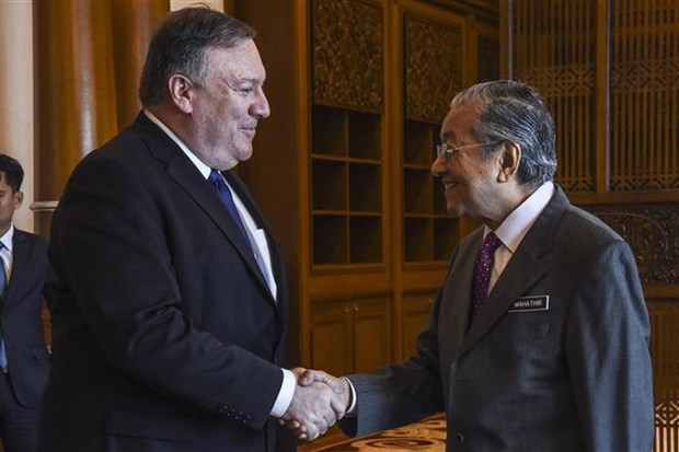 US Secretary of State meets with Malaysian PM hinh anh 1