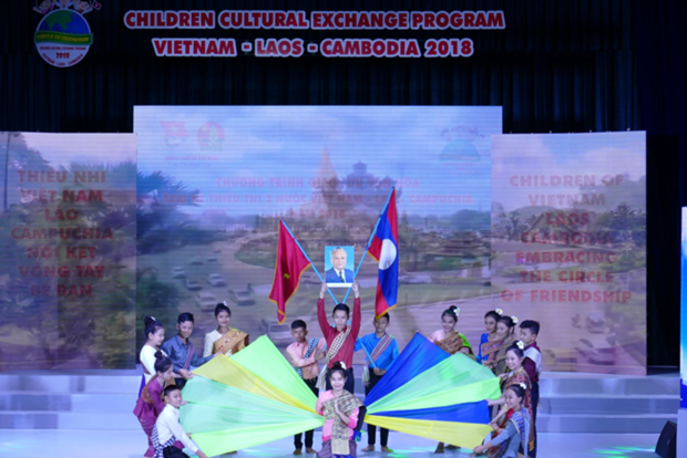 Summer camp for Vietnamese, Lao, and Cambodian kids wraps up hinh anh 1