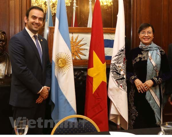 HCM City, Argentina's Buenos Aires forge friendship hinh anh 1