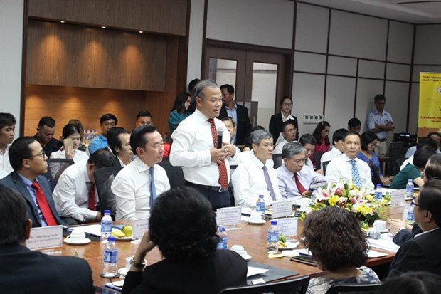 Firms seek support from Vietnamese diplomats abroad hinh anh 1