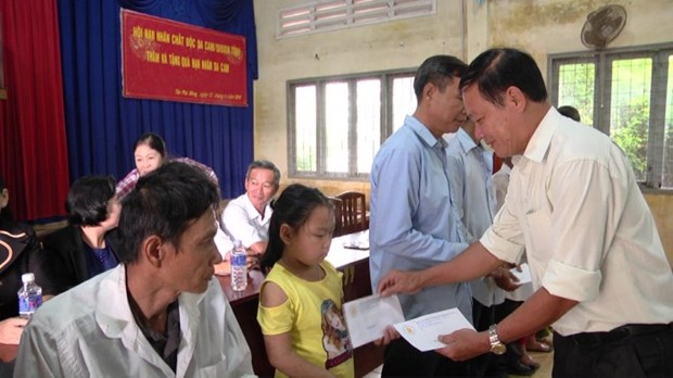 AO/dioxin victims in Can Tho, Tien Giang receive support hinh anh 1