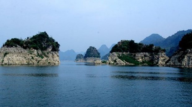 Hoa Binh seeks to promote tourism development in upland areas hinh anh 1