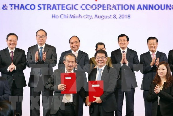 HAGL Group, THACO ink strategic deal hinh anh 1