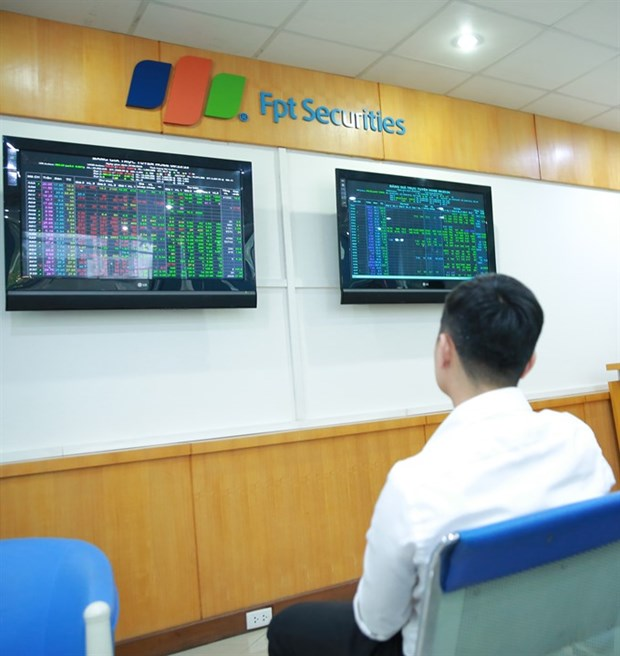Profit-taking drags stocks down hinh anh 1