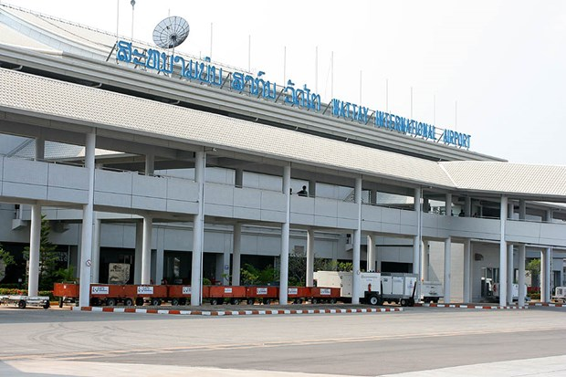 Lao airport can receive 2.3 million foreign tourists annually hinh anh 1