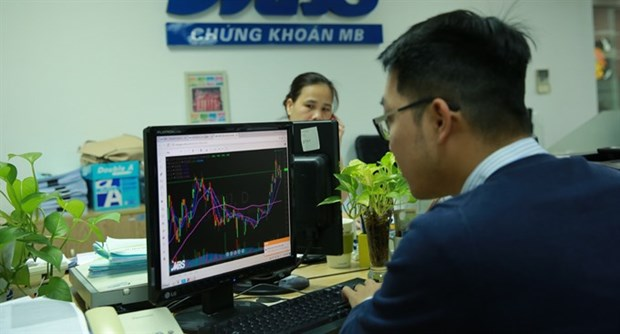 Vietnamese stocks gain on divestment plans hinh anh 1
