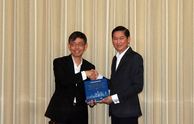 HCM City, Singapore to bolster ties in smart city building hinh anh 1