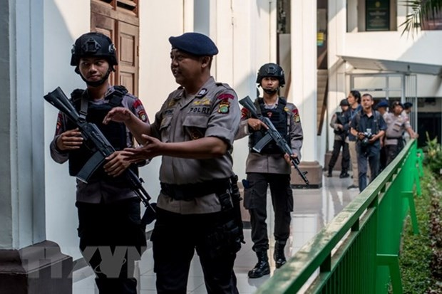 Indonesian police arrest IS-linked terrorists hinh anh 1