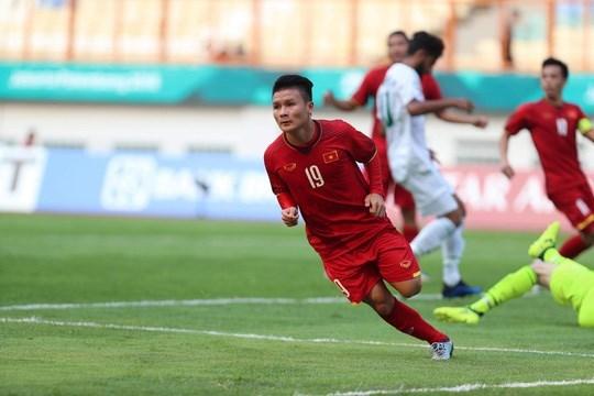 ASIAD 18: Vietnam defeat Pakistan 3-0 in men's football hinh anh 1