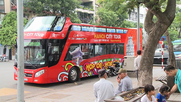 Hanoi hop-on hop-off tour costs less, offers more hinh anh 5