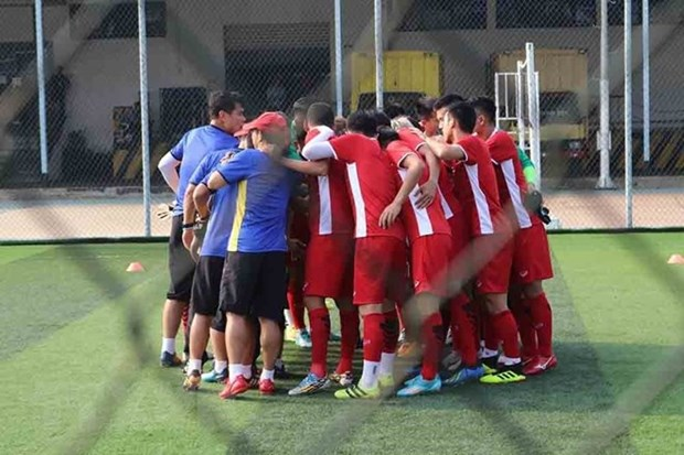 ASIAD 18: Vietnamese football squad ready for match against Nepal hinh anh 1