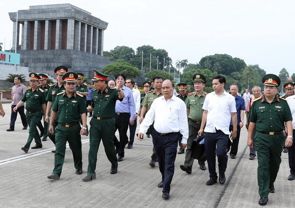 PM inspects maintenance of President Ho Chi Minh Mausoleum hinh anh 1