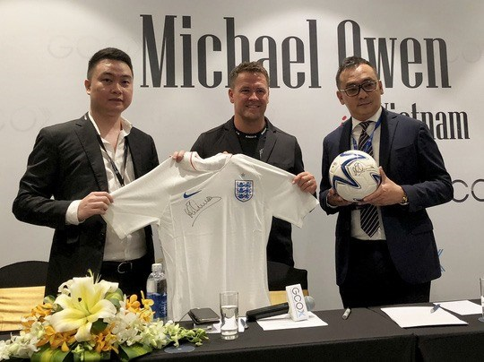 Michael Owen brings new solo fashion brand to Vietnam hinh anh 1