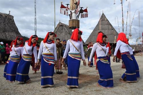 Festival promotes cultural values of ethnic groups in Quang Ngai hinh anh 1