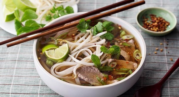 Pho named world's 20th best food experience hinh anh 1