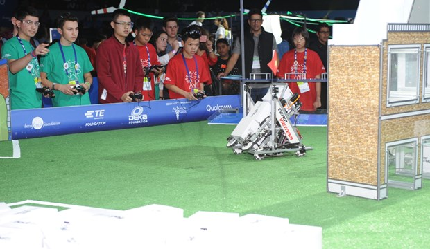 Vietnam attends world robot contest in Mexico hinh anh 1