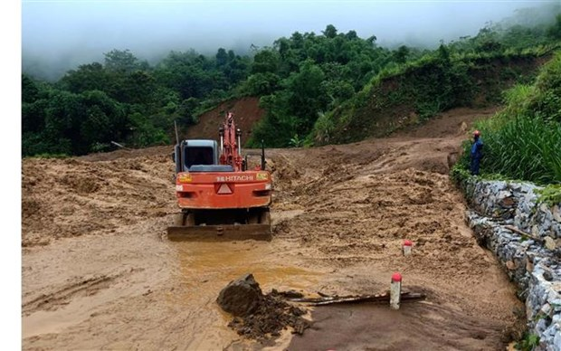 Typhoon-triggered floods leave 10 dead, 2 missing hinh anh 1