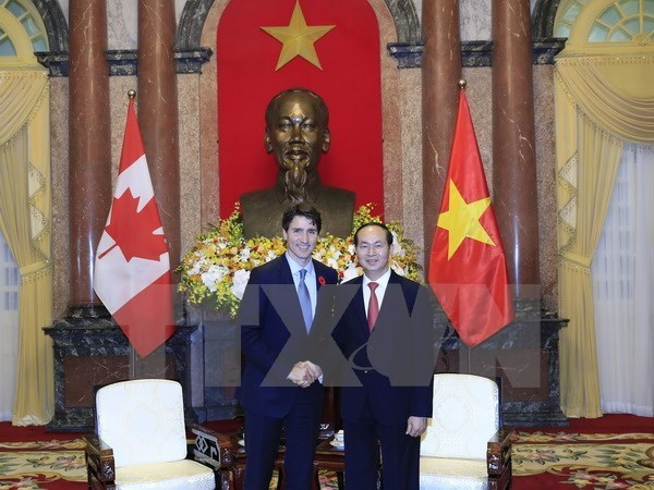 Congratulations on 45th anniversary of Vietnam-Canada ties hinh anh 1