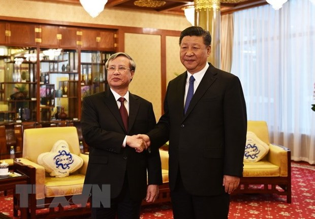 Top Chinese leader affirms desire to develop ties with Vietnam hinh anh 1