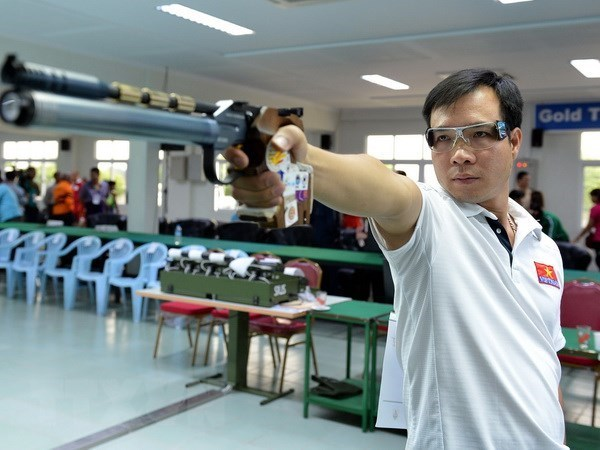 ASIAD 2018: shooter Hoang Xuan Vinh fails in forte category hinh anh 1
