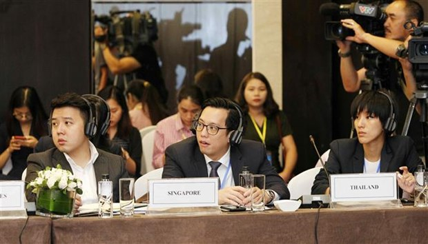 Foreign diplomats hail WEF ASEAN 2018 theme hinh anh 1