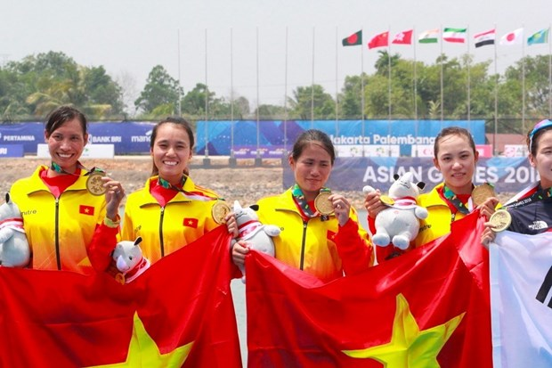 ASIAD 2018: Rowers win first gold medal for Vietnam hinh anh 1