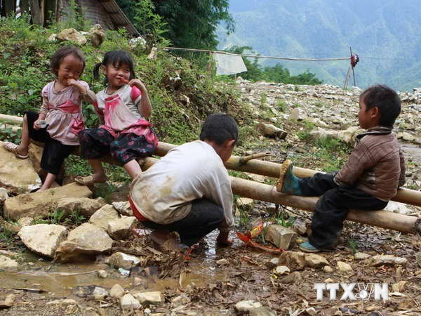 Foreign-funded projects support needy children in Thua Thien-Hue hinh anh 1