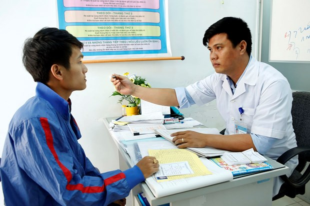 Health insurance ensures long-term treatment for HIV patients hinh anh 1