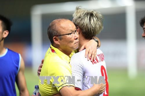 Coach Park determined to earn new victory for Vietnam hinh anh 1