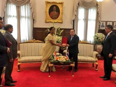 India, Thailand seek measures to strengthen defence cooperation hinh anh 1